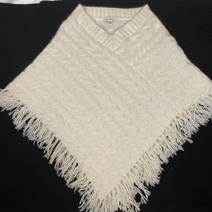Banana Republic Cable Knit Lambs Wool Poncho, M